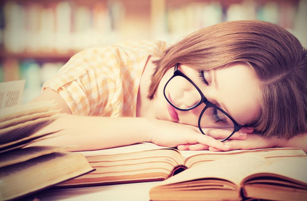 Нехватка сна в подростковом возрасте повышает вероятность ожирения в дальнейшем