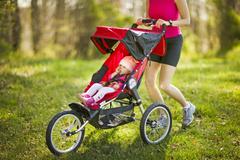 10 самых легких прогулочных колясок для лета по разумной цене