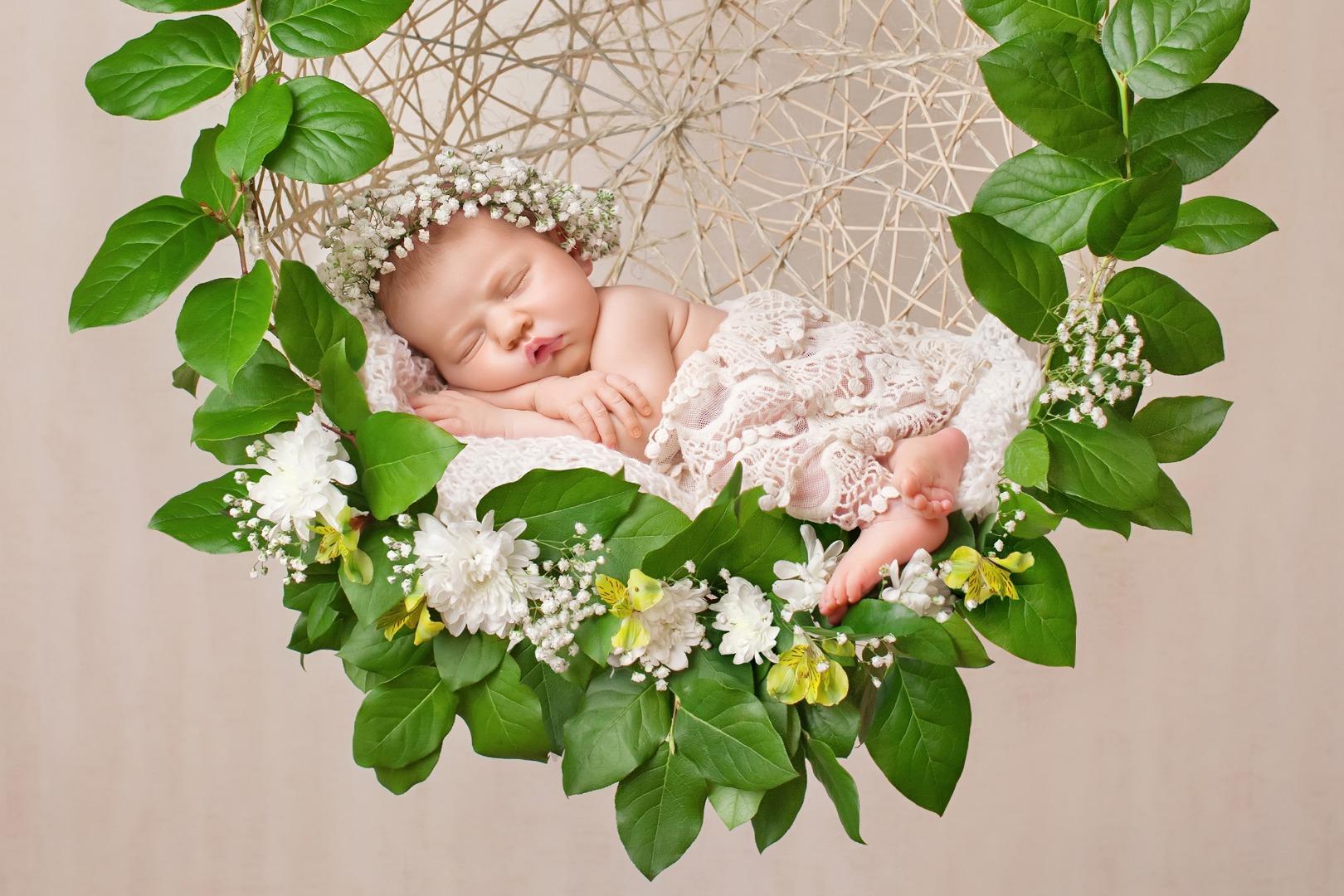 Плюсы и минусы кокона для новорожденного