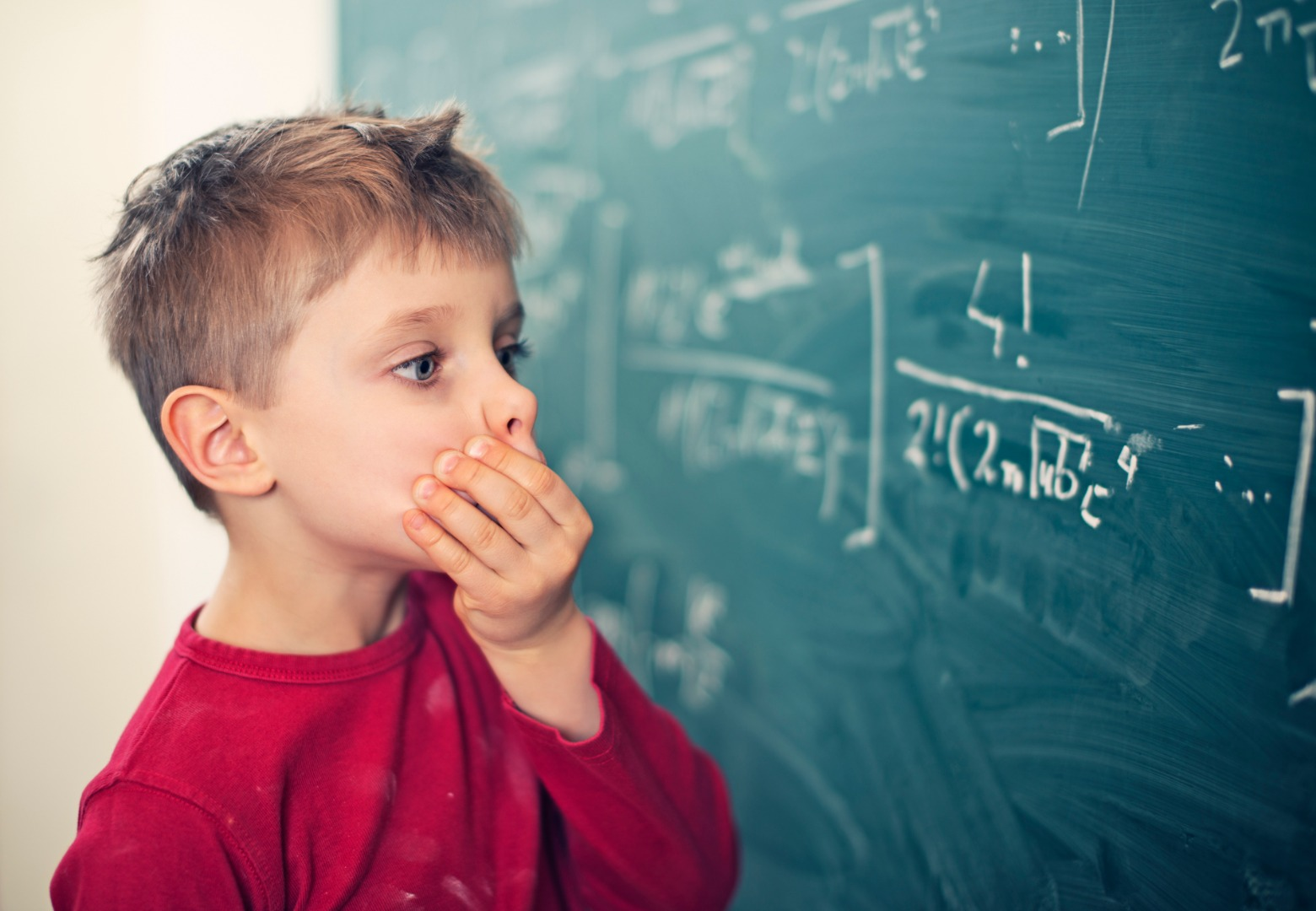 Как распознать дислексию у ребенка: 15 признаков